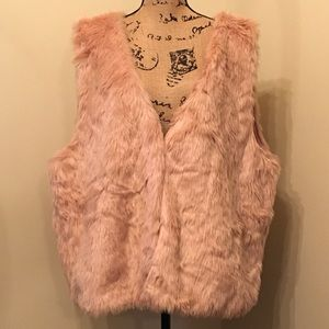 NWT Forever 21 pink faux fur vest. Size 3X